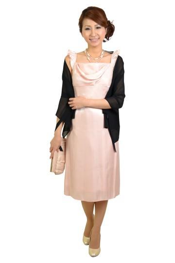 ライトピンクひざ下丈ドレス