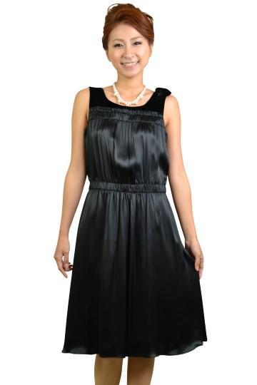 シルクタイプシンプルブラックドレス