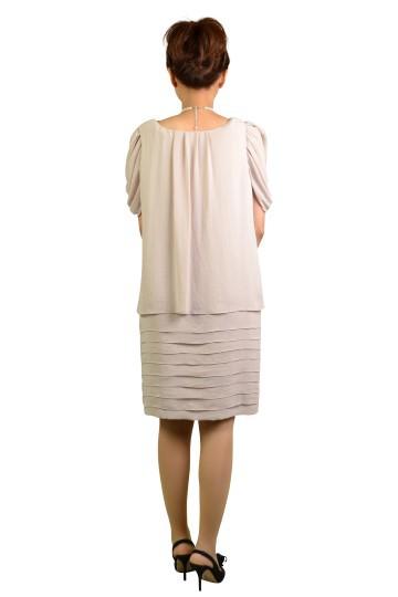 ベージュふんわりミニ袖ドレス
