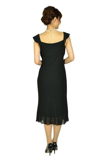 シンプルブラックドレス