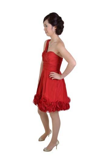 ワンショルダーレッドドレス