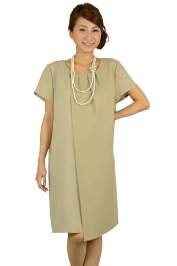 ベージュシンプルゆったりドレス