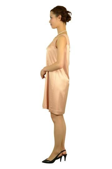 光沢サーモンピンクドレス