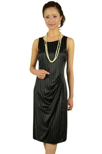 シックストライプブラックドレス