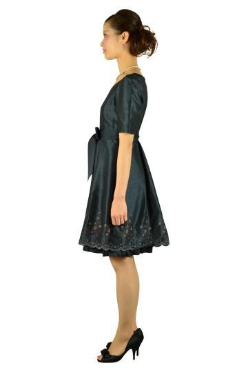 5分袖裾刺繍ネイビードレス
