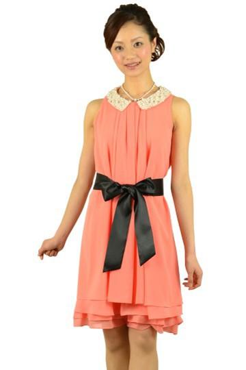 パール襟付きピンクドレス