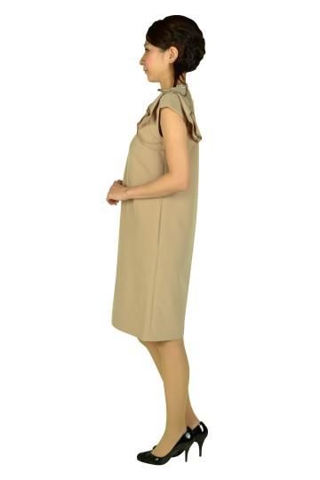ショルダーフリルベージュドレス