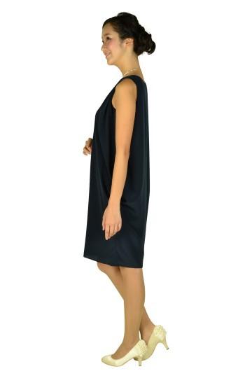 ネックレス風ビジュ付きネイビードレス