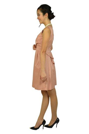 フェミニンタックピンクベージュドレス