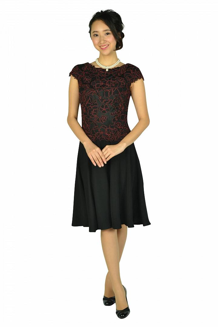 ボルドー刺繍ブラックドレス