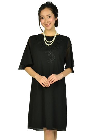 フレア袖花柄刺繍ブラックドレス