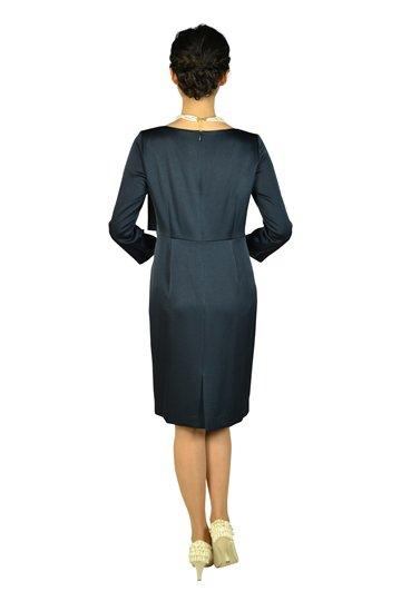 袖あり光沢シンプルネイビードレス