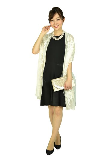 デザインフレアブラックドレス