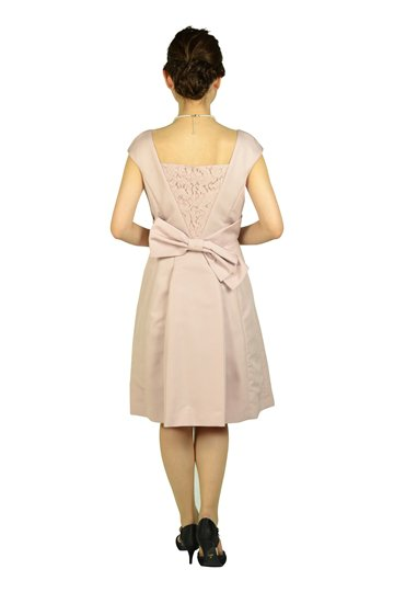 華やかビジュピンクドレス