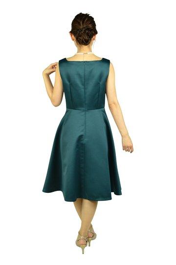 上品シンプルグリーンドレス