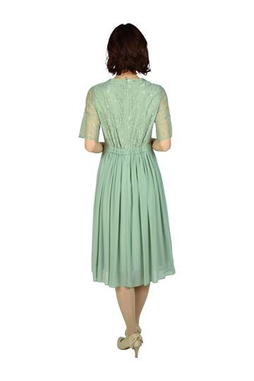 はしご&フラワーレースライトグリーンドレス