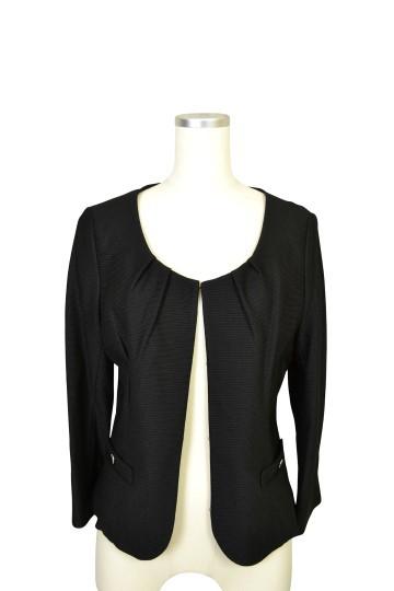 シンプルブラックジャケット