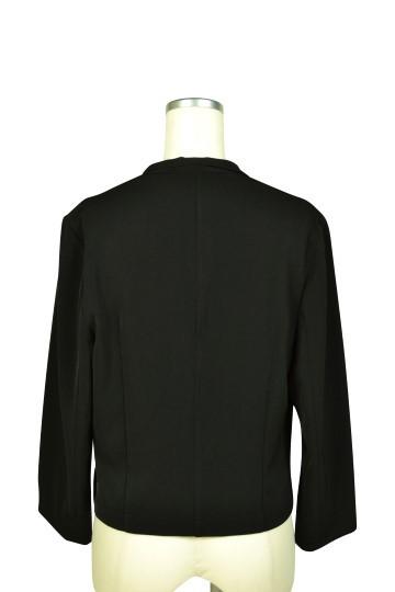 スタイリッシュ8分袖ブラックジャケット